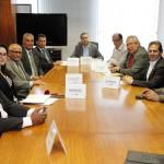 Ministro discute com sindicalistas medidas para garantir direitos