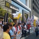 FEMACO adere a ato global em favor dos funcionários de fastfoods