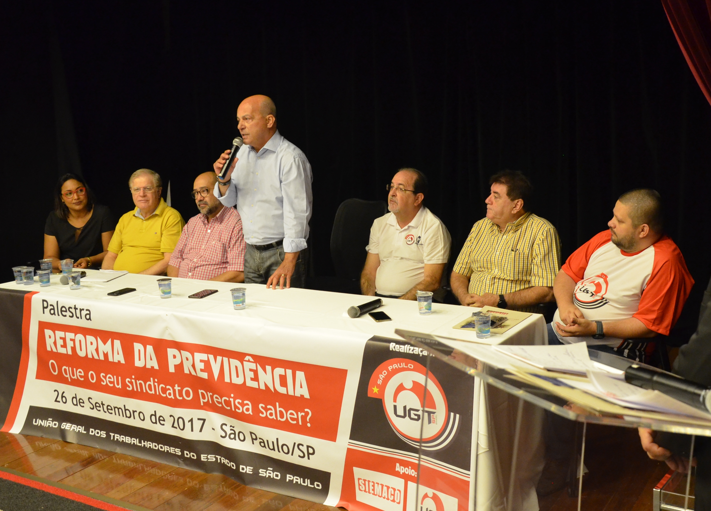 Santiago debate Reforma Previdenciária e fala sobre representatividade no Congresso Nacional