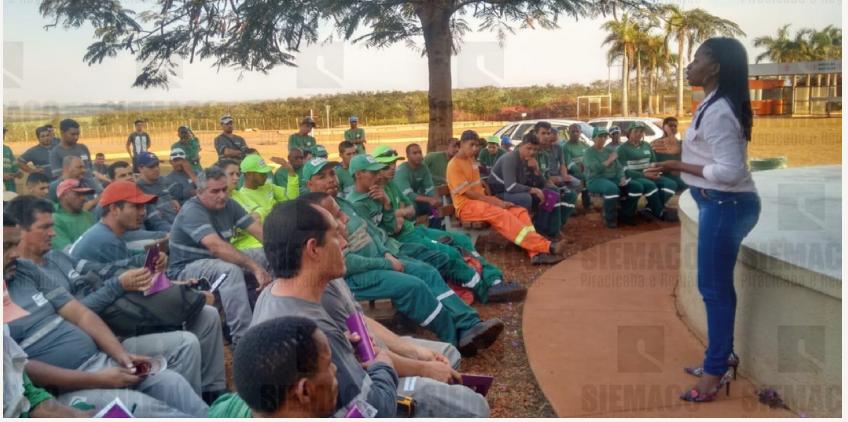 Trabalhadores da empresa Ambiental  reivindicam Vale Transporte