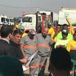 Trabalhadores do asseio em Paulínia paralisaram suas atividades cobrando ações da empresa  Consórcio Paulínia Sempre Limpa