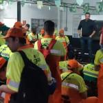 Equipe da Loga recebe em mãos notícias sobre a Convenção Coletiva de Trabalho da Limpeza Urbana 2018
