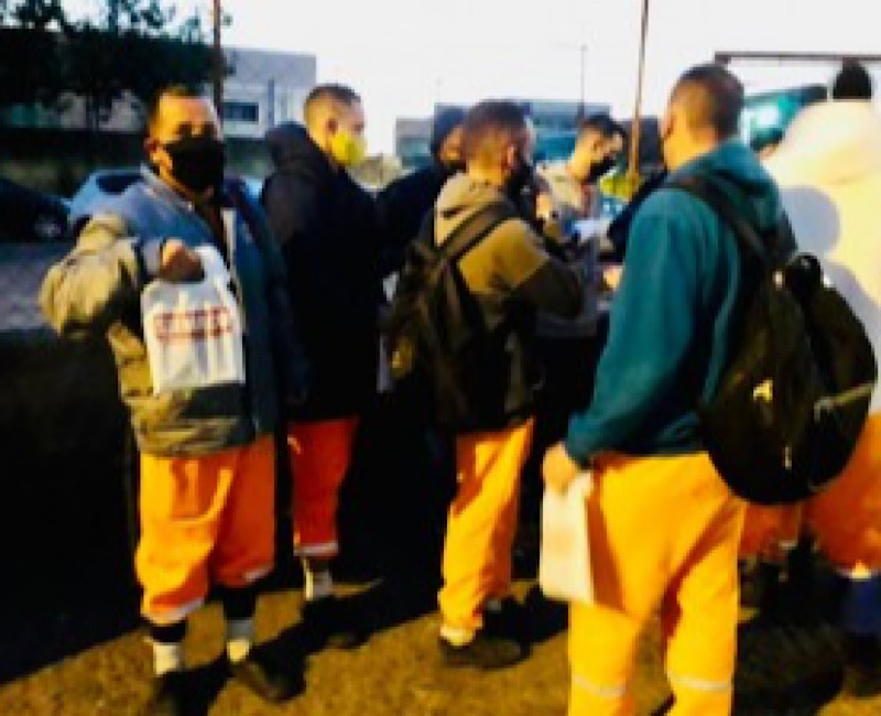 Siemaco Guarulhos disponibiliza totens/ dispensers de álcool em gel para trabalhadores da limpeza urbana