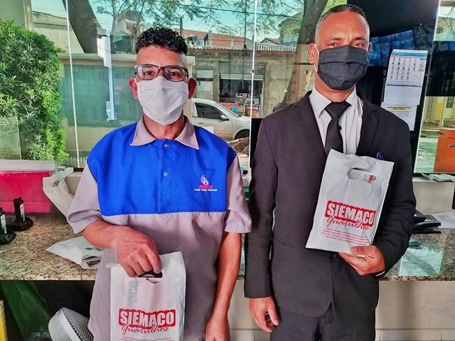 Kits de Higiene são entregues aos trabalhadores do asseio e conservação
