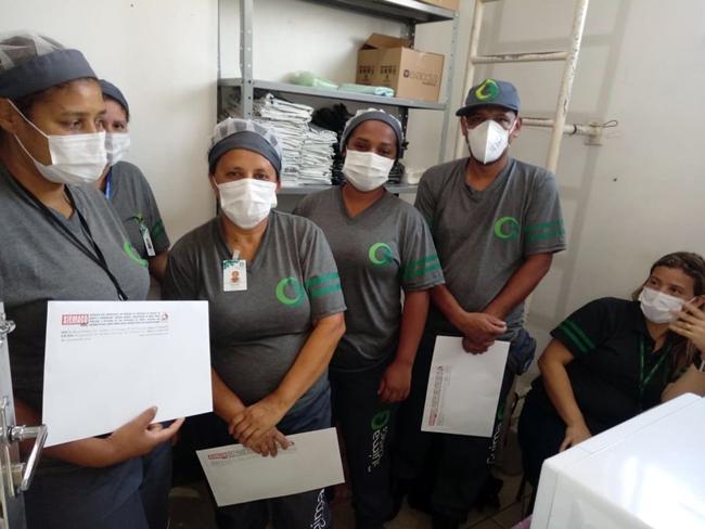 Representantes do Siemaco ABC visitam trabalhadores da empresa Guima Conseco, que prestam serviços na UPA São Caetano