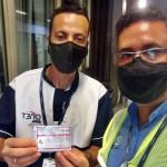 Trabalhadores recém cadastrados na base sindical, recebem suas carteirinhas de associados ao Siemaco Guarulhos