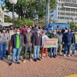 Redução de salários resulta em greve na Mercedes Benz